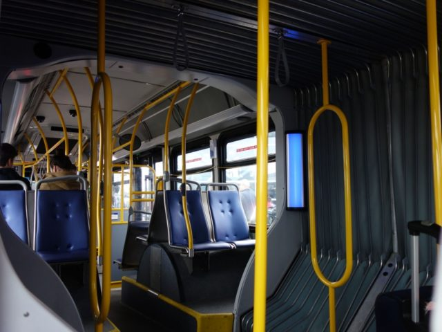 bus-in-vancouver2